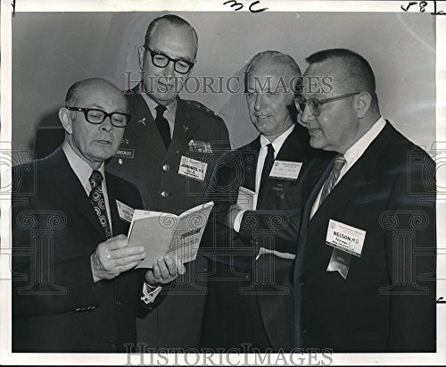 Vintage Photos 1971 Press Photo Attendees of the American College of Surgeons Conference Charleston Sectional