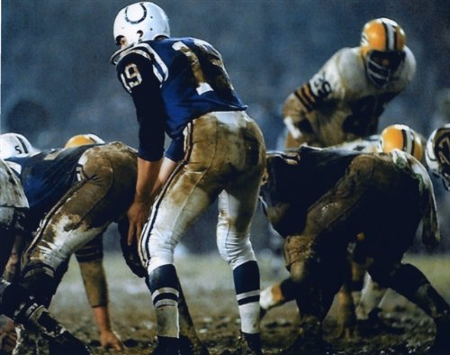 JOHNNY UNITAS BALTIMORE COLTS 8X10 SPORTS ACTION PHOTO (1)