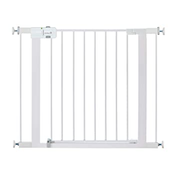 Amazon Com Safety 1st Easy Install Metal Baby Gate With Pressure Mount Fastening White Pack Of 1 Home Kitchen
