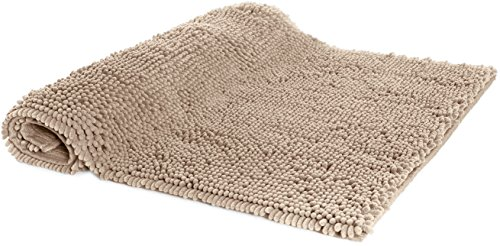 "AmazonBasics Non-Slip Microfiber Shag Bathroom Rug Mat, 21"" x 34"", Beige - Microfiber shag bath rug in Beige provides a comfortably plush place to stand and helps keep floors dry Absorbent, plush tufts across the entire surface soak up water fast; dries quickly for supreme comfort from one use to the next Non-slip backing keeps the rug securely in place, even when wet, for added safety - bathroom-linens, bathroom, bath-mats - 51jF 2YqHSL -"