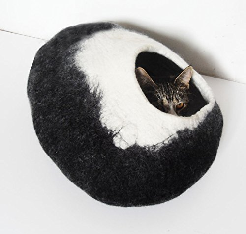 Igloo-Cat-Bed-Cave-cocoon-cat-bedding