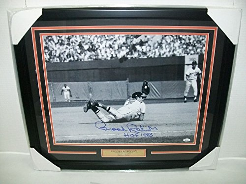 - BROOKS ROBINSON BALTIMORE ORIOLES SIGNED AUTOGRAPHED FRAMED 16X20 PHOTO JSA COA