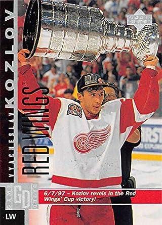 Amazoncom 1997 98 Upper Deck Hockey Card 271 Vyacheslav Kozlov
