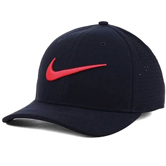 7c9293cb1d8 Image Unavailable. Image not available for. Colour  NIKE Vapor Classic 99 SF  Fitted Hat ...