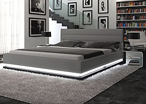 Polster Bett 180x200 Cm Grau Aus Kunstleder Mit LED Beleuchtung Am Fuß Des  Bettes