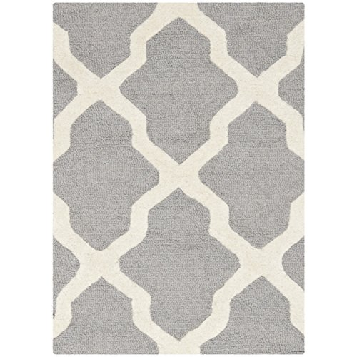 Safavieh Cambridge Collection CAM121D Handmade Moroccan Geometric Silver and Ivory Premium Wool Area Rug (2' x 3')