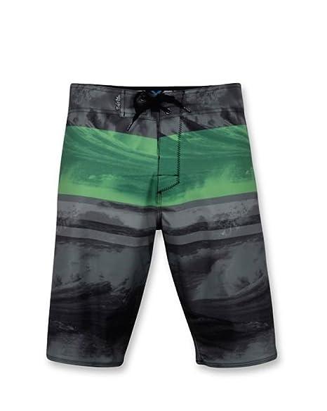2ee08b7dbd Amazon.com: Salt Life Men's Stormy Seas 21 Inch Board Shorts, Charcoal, 30:  Sports & Outdoors