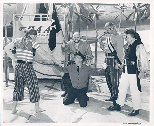 (1957 Press Photo Celebrities Pirates Flag Skeleton Sword Vintage Costumes)