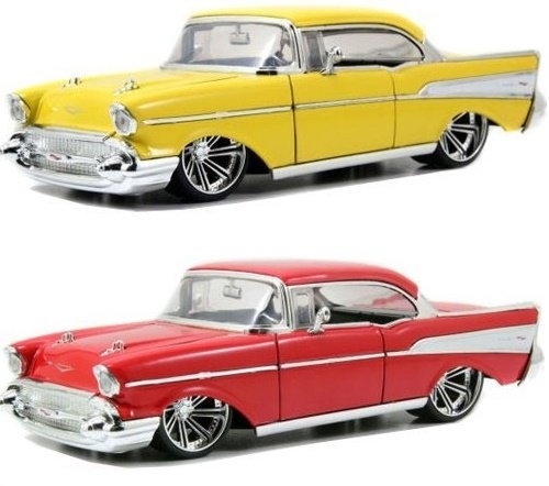 - 1957 Chevy Bel Air Hard Top 1:24 Scale (Red)