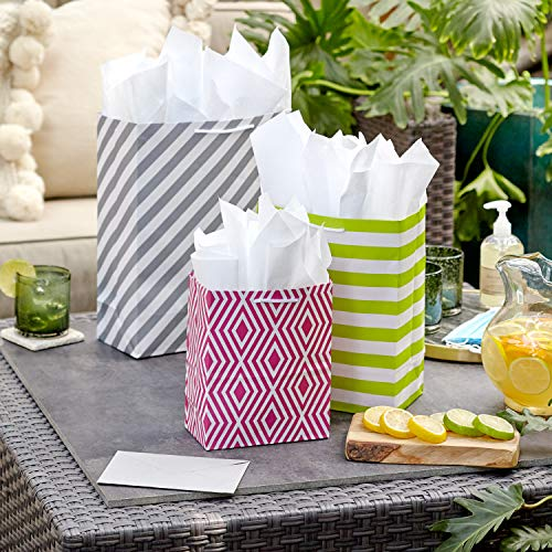 Hallmark Pastel Gift Bags in Assorted Sizes (Pack of 12 – 5 Medium 8″, 4 Large 11″, 3 Extra Large 14″) for Baby Showers, Bridal Showers, Birthdays, Easter