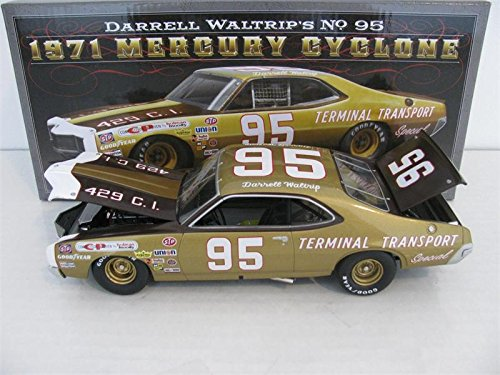 Lionel Nascar Collectables Darrell Waltrip University of Racing 1971 Mercury Cyclone Car (1:24 Scale) (White Chocolate Cyclone)