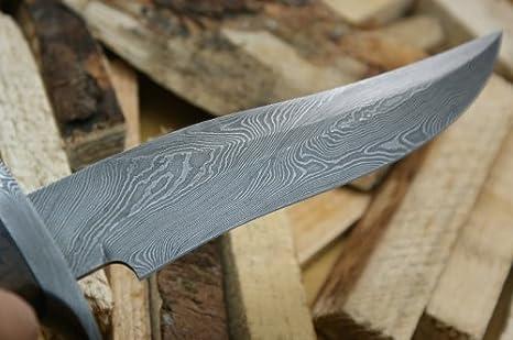 Asaz . - Cuchillo de caza