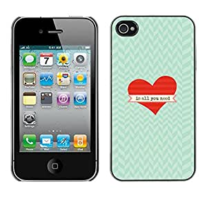 Caucho caso de Shell duro de la cubierta de accesorios de protección BY RAYDREAMMM - Apple iPhone 4 / 4S - Is All You Need Heart Chevron Valentine