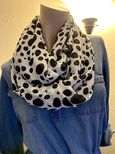 White and Black Spotted All-Season Scarf