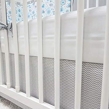 Baby-Joy Bettrock Volant f/ür Babybett Kinderbett ZICK-ZACK Linie Baumwolle grau 60 x 120 cm