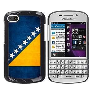 TopCaseStore / la caja del caucho duro de la cubierta de protección de la piel - Bosnia And Herzegovina Grunge Flag - BlackBerry Q10
