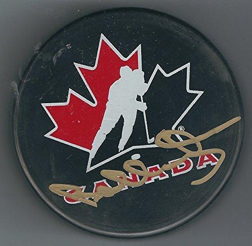 Orr Bobby Merchandise (Autographed Bobby Orr Canada Hockey Puck JSA)