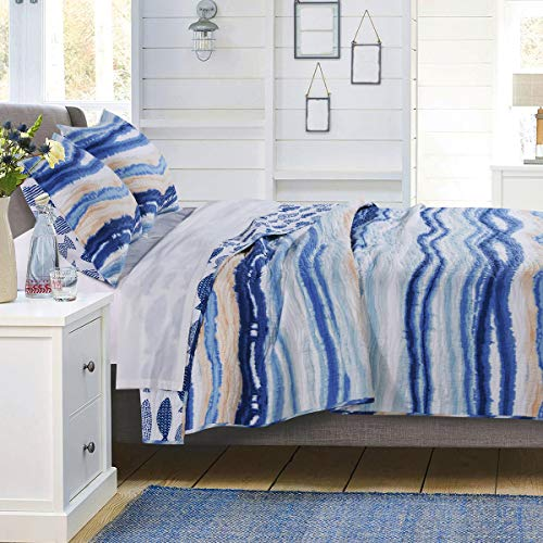 Bella Coastal Decor Waves & Fish Quilt Set