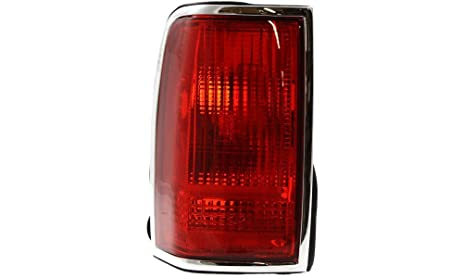 Amazon Com Evan Fischer Eva15672028344 Tail Light For Lincoln Town
