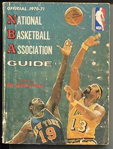NBA Official Basketball Guide 1970-71 - player-pic-bios-Wilt Chamberlain-G/VG ()