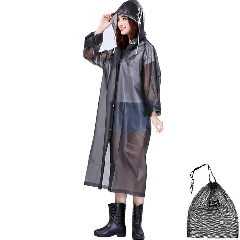 Original impermeable negro con capucha y cuerda ajustable.