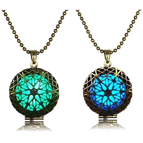 LightOnIt Magic Glow in Dark Vintage Necklace-Aqua Large Star Locket Pendant Blue and Green