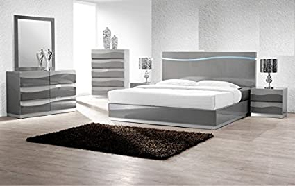 Amazon.com: Modern Leon 5 Piece Bedroom Set California King Size Bed ...