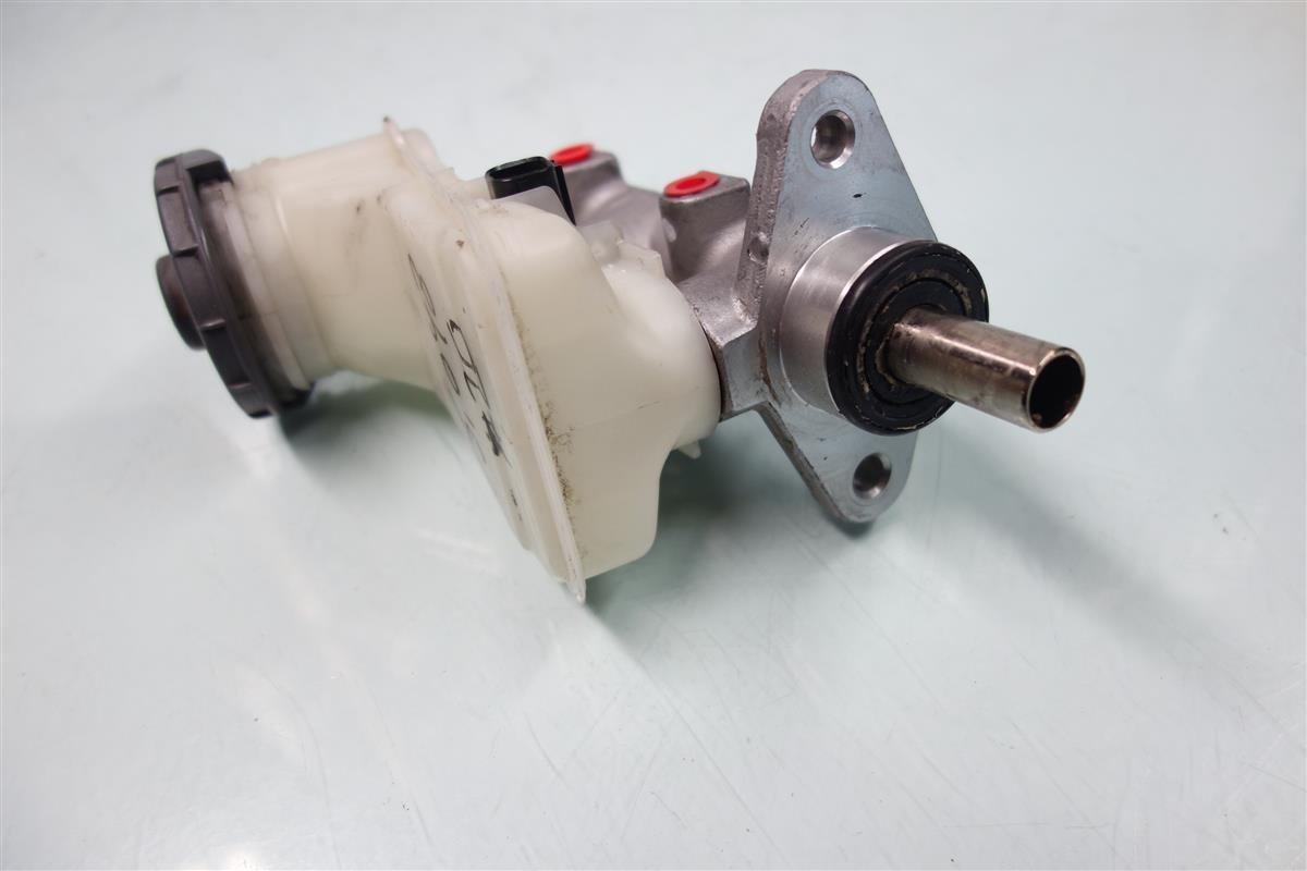 46100-S5D-A51 Genuine Honda Brake Master Cylinder Assembly