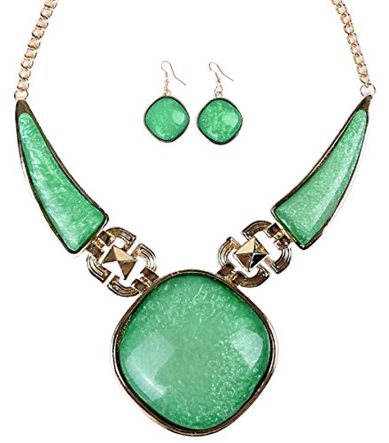 Veenajo Ladies Geometry Pepper Shape Collar Square Necklace&Earrings Set(green) (Costume Collection Promo Code)