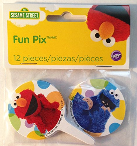 Wilton Sesame Street Licensed Fun Pix Cupcake Toppers, 12 Count]()