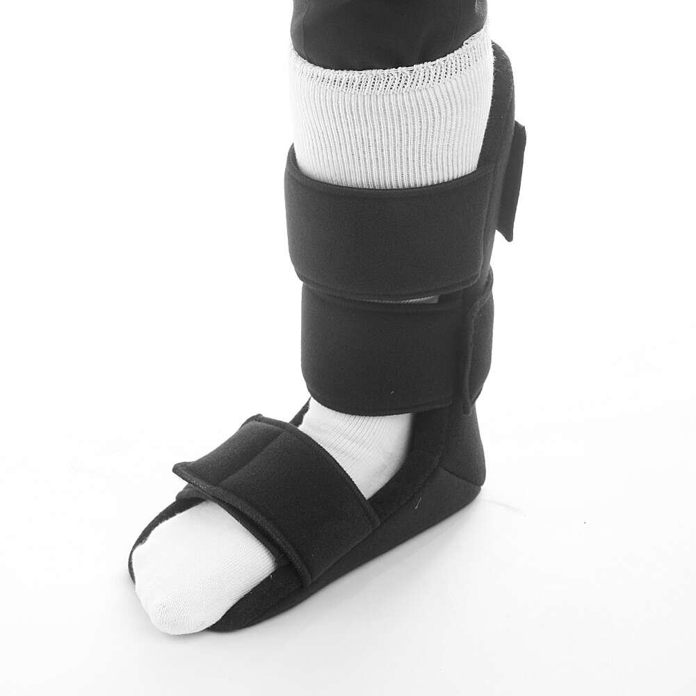 MediChoice Plantar Fasciitis Night Splint, Size Large, Hook And Loop Closure, Removable Foam Wedge Insert, Nylon And Terry Lining (Each of 1)