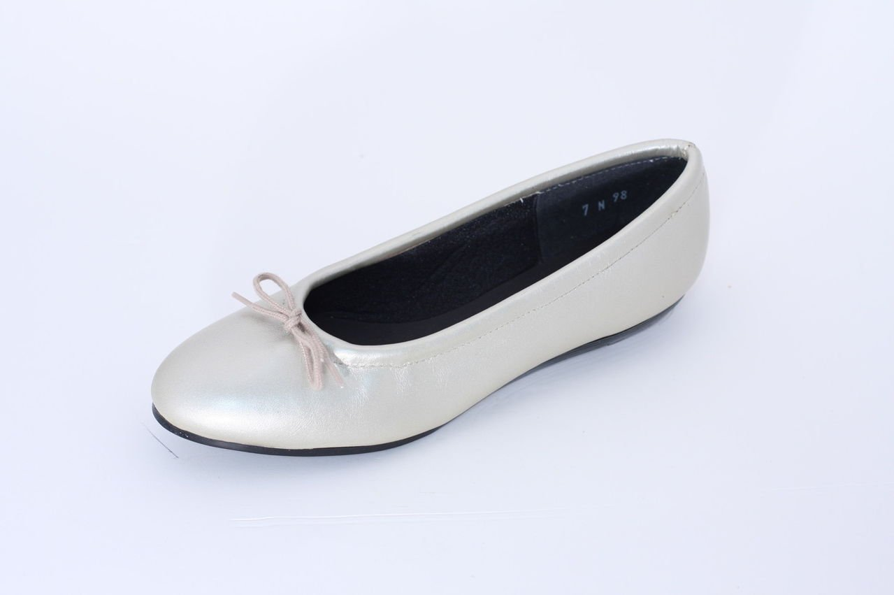 TicTacToes Women's Lisa Leather Ballet Flat-Made in USA, B014I294XE 7.5 B(M) US Champan