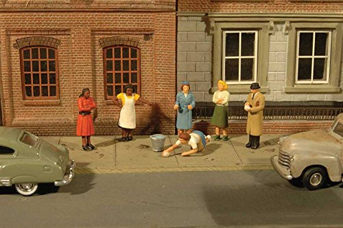 Bachmann Scene Scopes-Miniature Figures-Sidewalk People (6Pcs/Pak) HO Scale, Multicolor