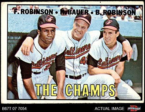 1967 Topps # 1 The Champs Frank Robinson/Brooks Robinson/Hank Bauer Baltimore Orioles (Baseball Card) Dean's Cards 3 - VG Orioles ()