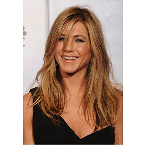 Jennifer Aniston 8 Inch x 10 Inch Photo Friends We're the Millers Office Space Black One Shoulder Dress from Chest Up Pose 2 kn (Jennifer Aniston We Re The Millers Friends)