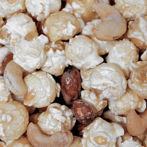HR Poppin' Snacks Cashew Almond Toffee Popcorn