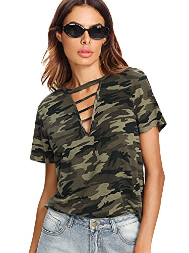 (WDIRARA Women's Camouflage Camo Top Summer Short Sleeve Cut Out Tee Shirt Army Green M)