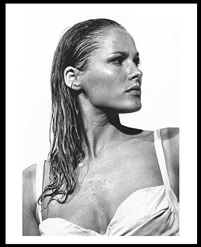 Ursula Andress 8x10 Photo 02 James Bond Dr. No