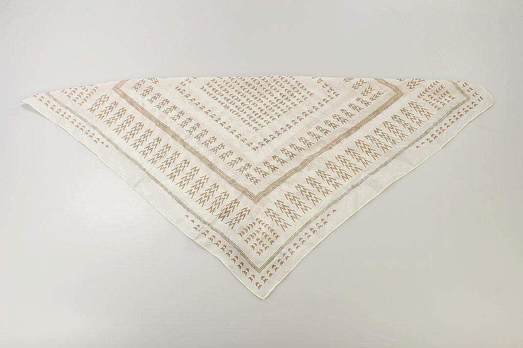 UNMADE Copenhagen Damen Tuch weiß Accessoires Halstuch Seide Seidentuch #H5