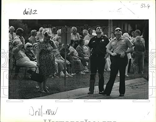 Historic Images - 1994 Press Photo Operator Sal Lusco and Captain Harry Brown Watch fire Drill.