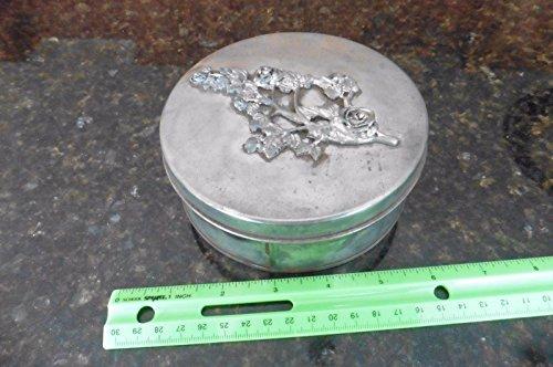 Round Tin w/ rose flowers embellishment Vintage keepsake jewelry tin escutcheon (Metalware Tin)