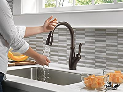 Delta Faucet Leland Single-Handle Touch Kitchen Sink Faucet with Pull Down Sprayer, Touch2O and ShieldSpray Technology, Magnetic Docking Spray Head, Venetian Bronze 9178T-RB-DST
