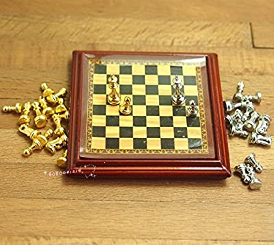 Bobominiworld Wood And Metal Chess Set Dollhouse Miniatures Decoration 1:12 Scale Length 4.8cm Brown