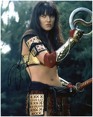 LUCY LAWLESS COLOR 8X10 PHOTOGRAPH