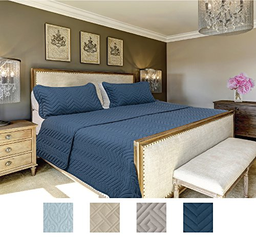 Hill Modern Bedspread (The CONNECTICUT HOME COMPANY Luxury Bedspread Quilt Collection, 3-Piece includes Shams, Oversized and Thick, Quilted Pattern, Top Choice by Decorators, Machine Washable (Navy-Chevron: King))