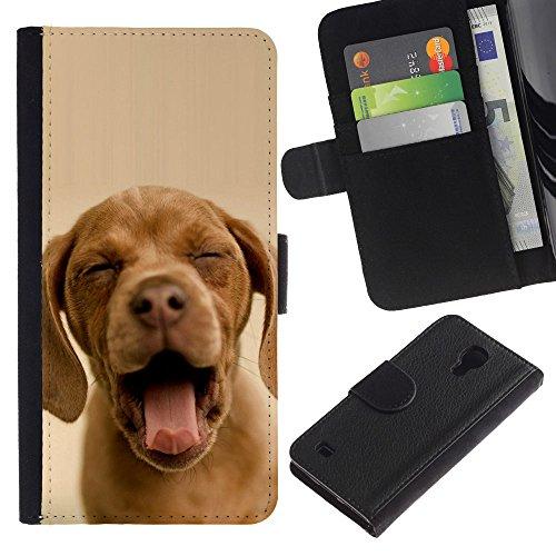 OMEGA Case / Samsung Galaxy S4 IV I9500 / chocolate retriever yawn puppy sleepy / Cuero PU Delgado caso Billetera cubierta Shell Armor Funda Case Cover Wallet Credit Card