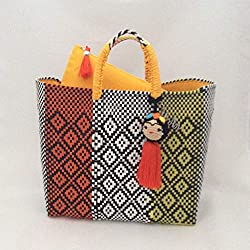 Bolsa Artesanal Mexicana tejida a mano incluye funda para iPad, en colores naranja, blanco, amarillo y negro, incluye adorno de frida kahlo