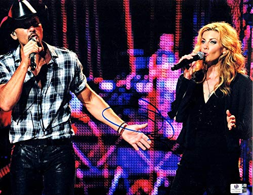 - Tim McGraw Faith Hill Dual Signed Autographed 11X14 Photo Singing GV758888