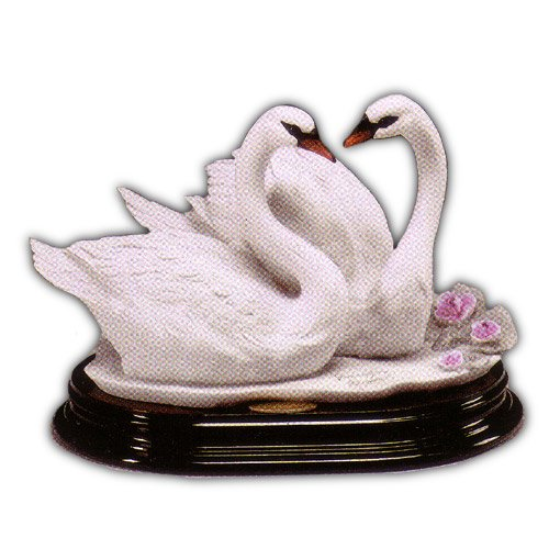 COLLECTIBLES ARMANI FIGURINES SWANS (WEDDING)
