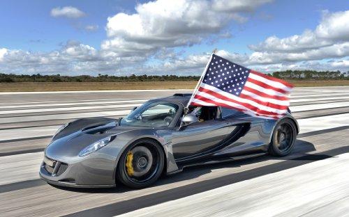 2014 Venom Gt World Speed Record By Hennessey 36X48 Poster